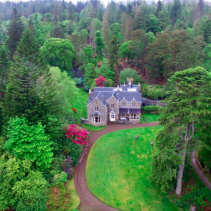 manor_house_in_woods